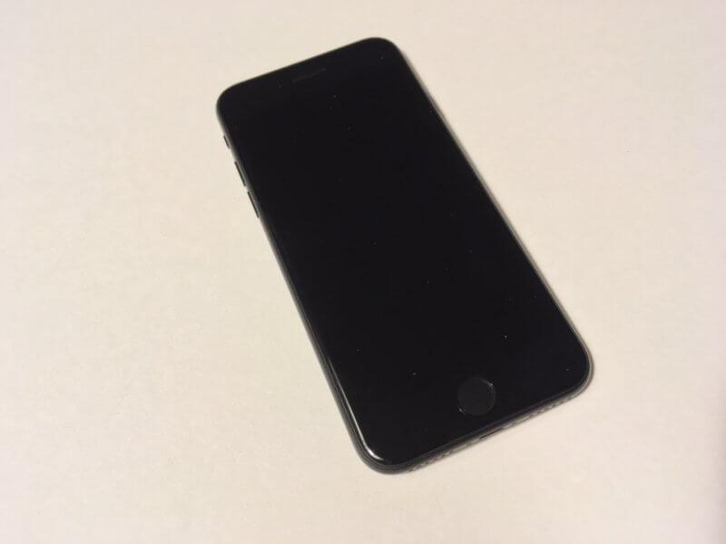 新型iPhone SEの外観・表面