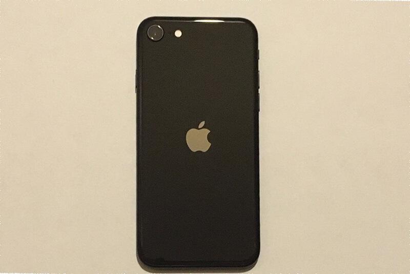 新型iPhone SEの外観・背面